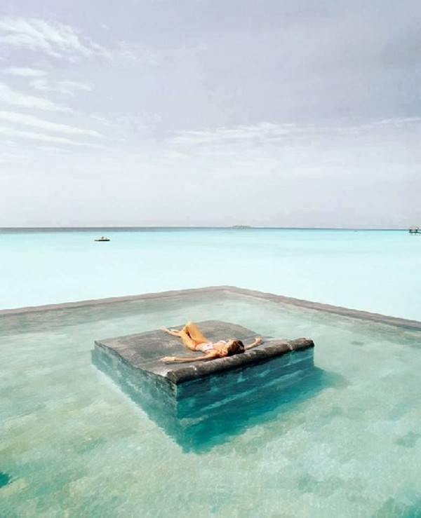 mesmerizing-infinity-swimming-pools4_large-675ec